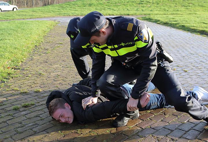 laatste politieregio voorzien van nieuwe uniform